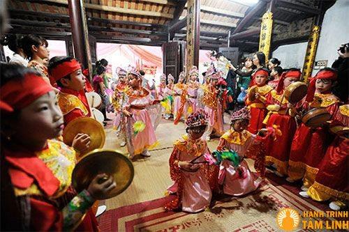 Điệu múa sinh tiền trong lễ hội chùa Nành