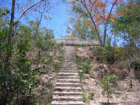 Đường lên chùa Kim Sơn