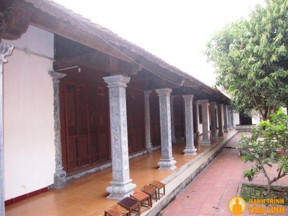 Hành lang chùa Nga My