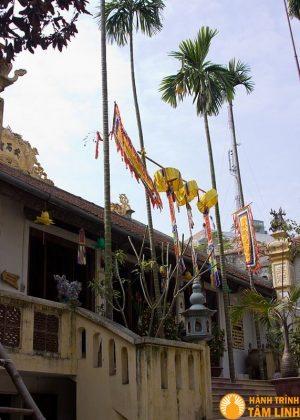 Khuôn viên chùa Vũ Thạch