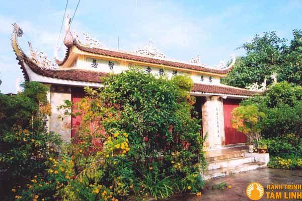 Mặt tiền chùa Tường Long (Đồ Sơn, Hải Phòng)