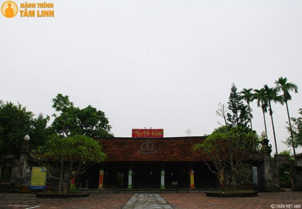 Mặt tiền chùa Chuông (Phố Hiến, Hưng Yên)