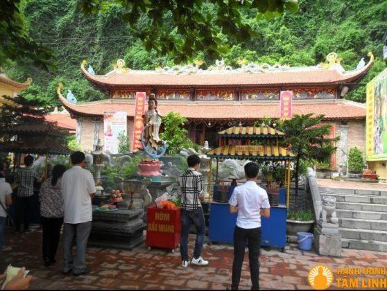 Một góc chùa Long Tiên
