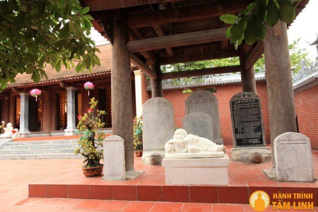 Nhà bia chùa Nga My