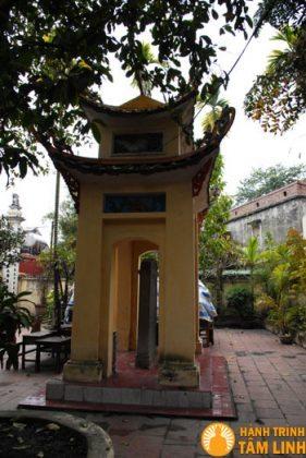 Nhà bia chùa Quang Hoa