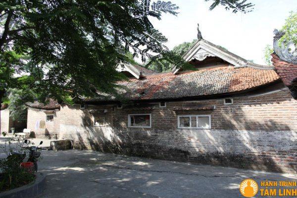 Nhà đại bái và hậu cung chùa Chèm