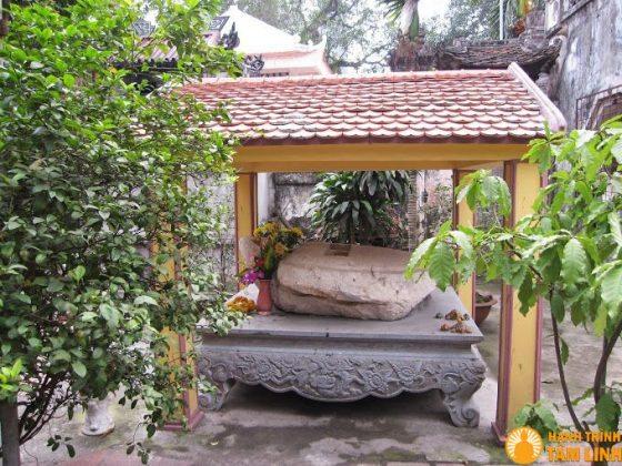 Thạch đá tại chùa Xã Đàn