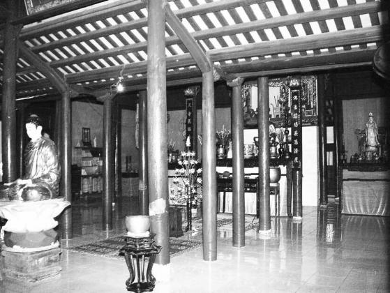 Tiền đường chùa Diên Thọ