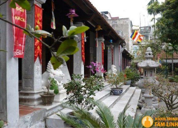 Tòa chính điện chùa Vua