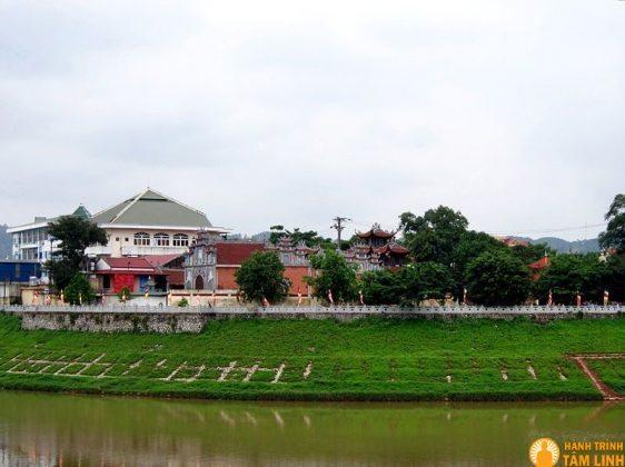 Toàn cảnh chùa Thành - Diên Khánh Tự
