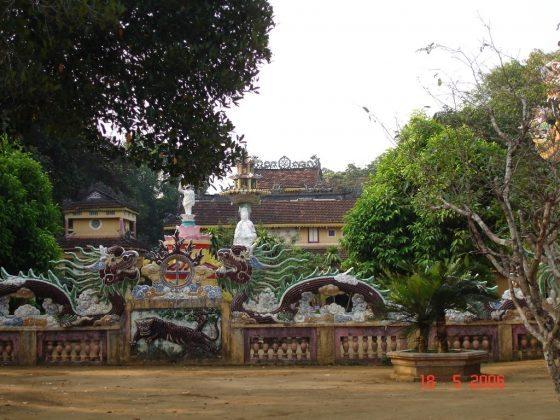 Toàn cảnh chùa Thiên Ấn