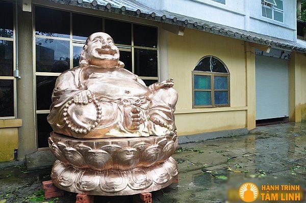 Tôn tượng Đức Phật Di Lặc