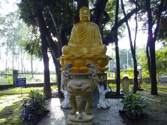 Tượng Phật Tổ chùa Thiên Ấn