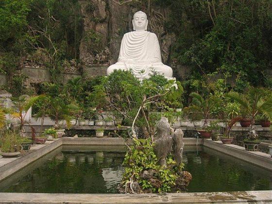 Tượng Phật Chùa Linh Ứng Ngũ Hành Sơn