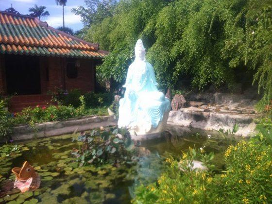 Tượng Quan Thế Âm chùa Quang Minh