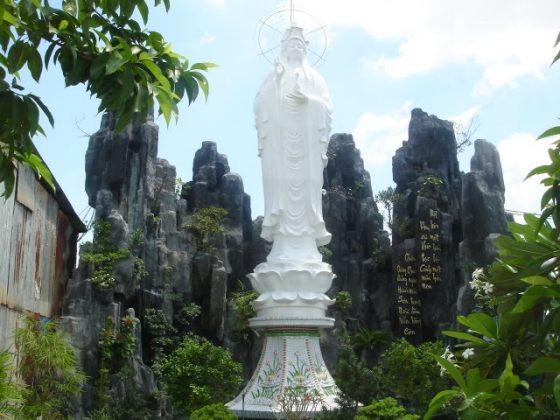 Tượng Phật Quan Âm chùa Diên Thọ