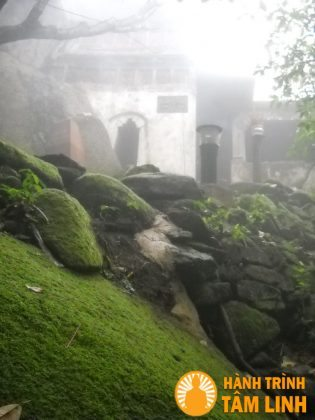 Am Phật Bà chùa Hương Tích