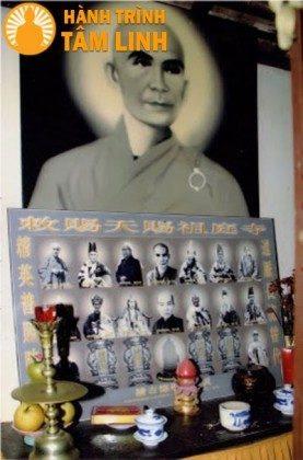 Bàn thờ Bồ Tát Thích Quảng Đức chùa Thiên Tứ
