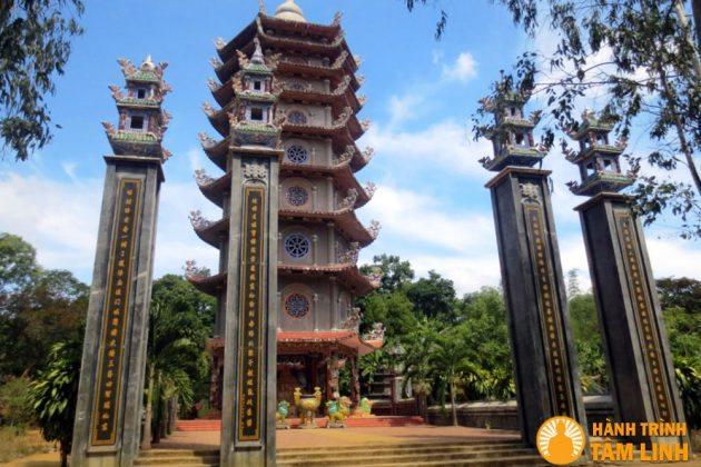 Bảo tháp chùa Thiên Ấn