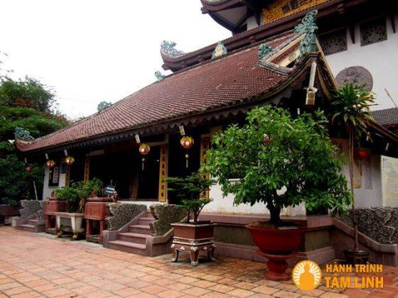 Chánh điện chùa