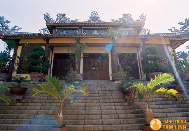 Chánh điện chùa Hải Đức
