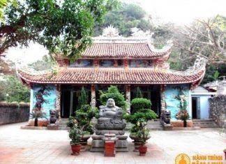 Chính điện chùa Tam Thai