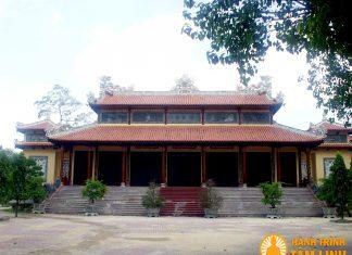 Chính điện chùa Từ Đàm