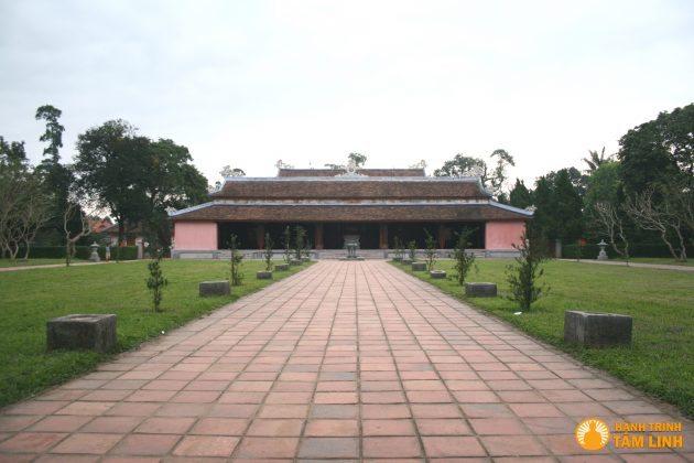 Chính Điện của chùa Thiên Mụ