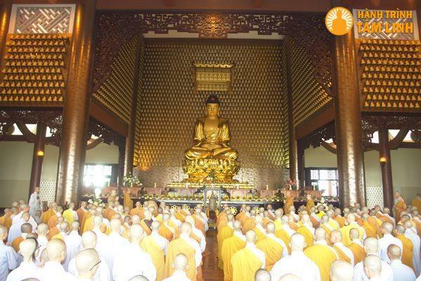 Chính điện chùa Huệ Nghiêm