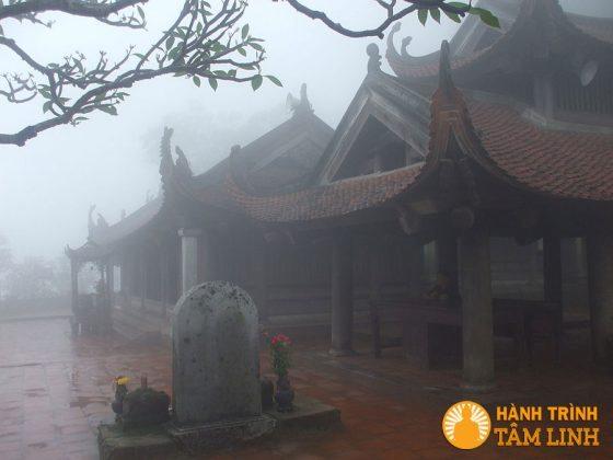 Chùa Hoa Yên trên núi Yên Tử