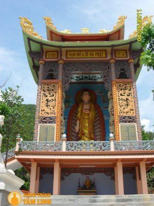 Điện Di Đà chùa Bảo Lâm