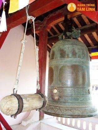 Chuông chùa Thiên Mụ