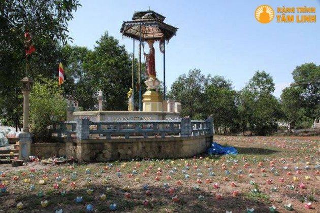 Địa Tạng Đài chùa Châu Quang