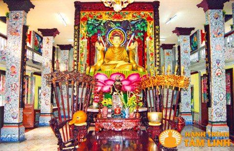 Điện Phật chùa An Phú