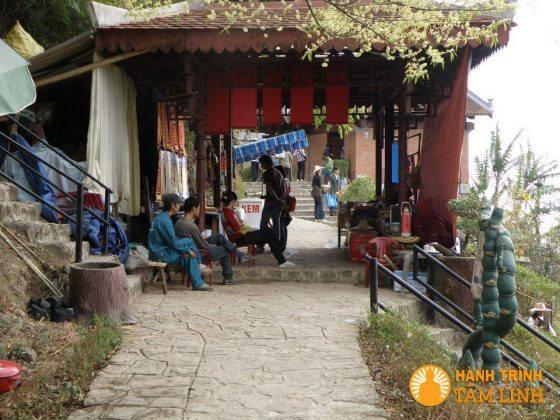 Góc đông chùa Hoa Yên