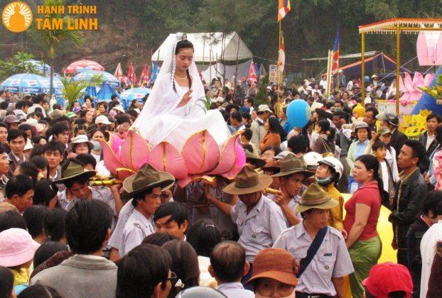 Khai mạc lễ hội Quan Thế Âm