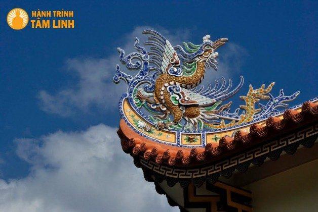 Kiến chúc mái chùa Hải Đức