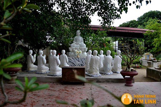 Tượng phật thể hiện lòng từ bi của Đức Phật chùa Cần Linh