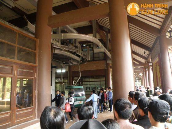 Phòng ca bin cáp treo chùa Hoa Yên