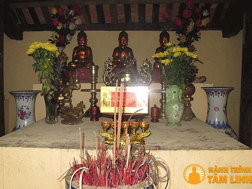Tam bảo trong chùa