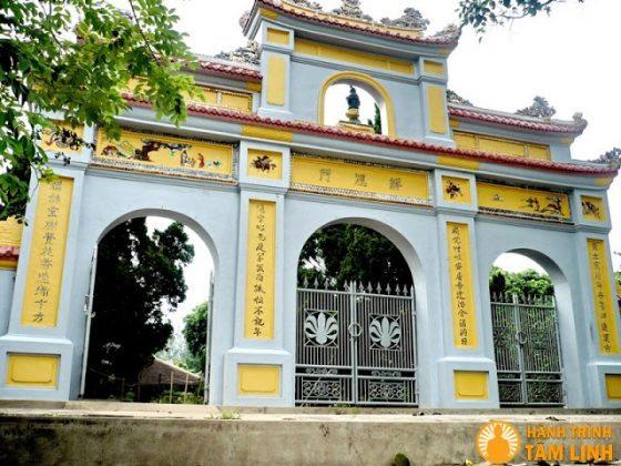 Tam quan Chùa Linh Sơn Đông Thuyền
