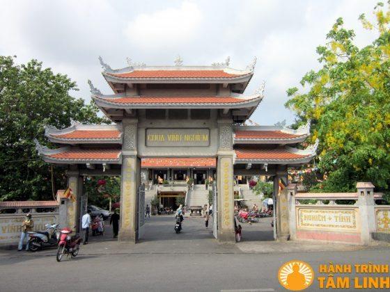 tam quan chùa Vĩnh Nghiêm