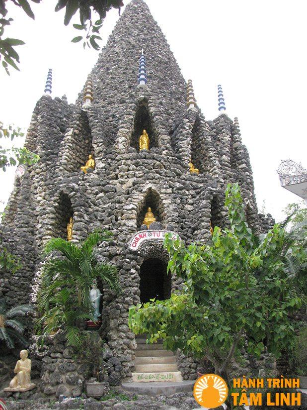 Tháp Bảo Tích chùa Từ Vân