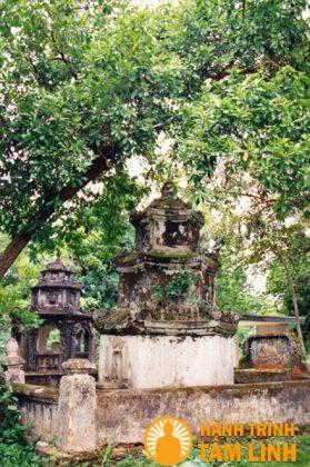 Tháp Tổ chùa Hội Sơn