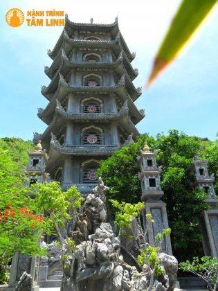 Tháp Xá Lợi chùa Linh Ứng