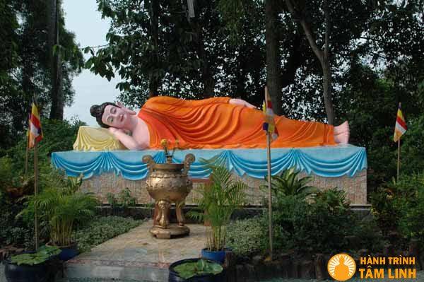 Tượng Đức Phật nhập Niết Bàn Chùa Thiên Phước