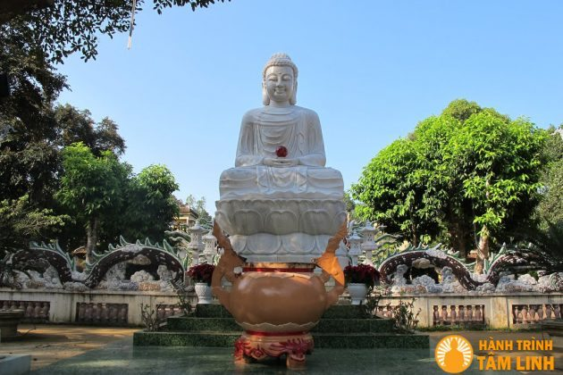 Tượng phật chùa Thiên Ấn