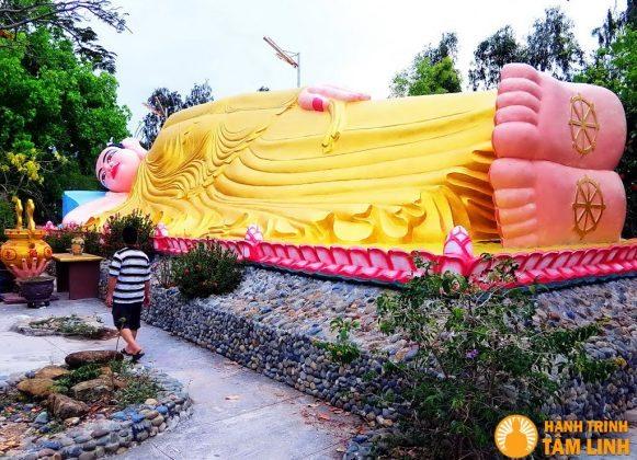 Vỏ ốc, vỏ sò làm lên nét độc đáo của chùa Từ Vân