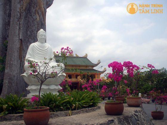 Tượng Phật Thích-ca Mâu-ni chùa Đại Tòng Lâm