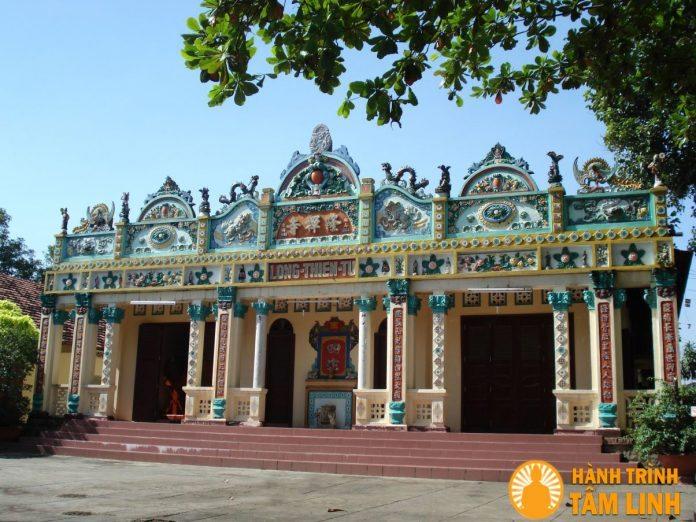 Mặt tiền chùa Long Thiền